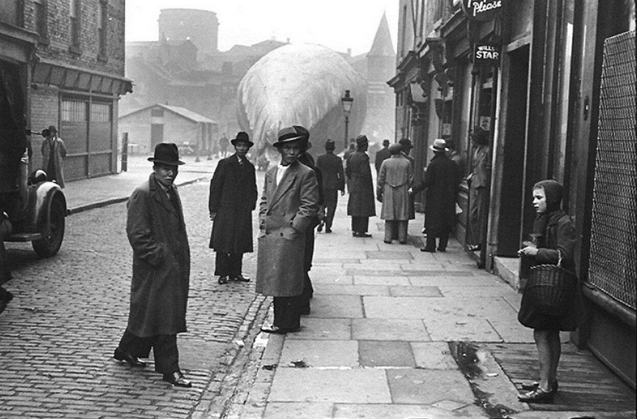 1942. Питт-стрит, Глазго
