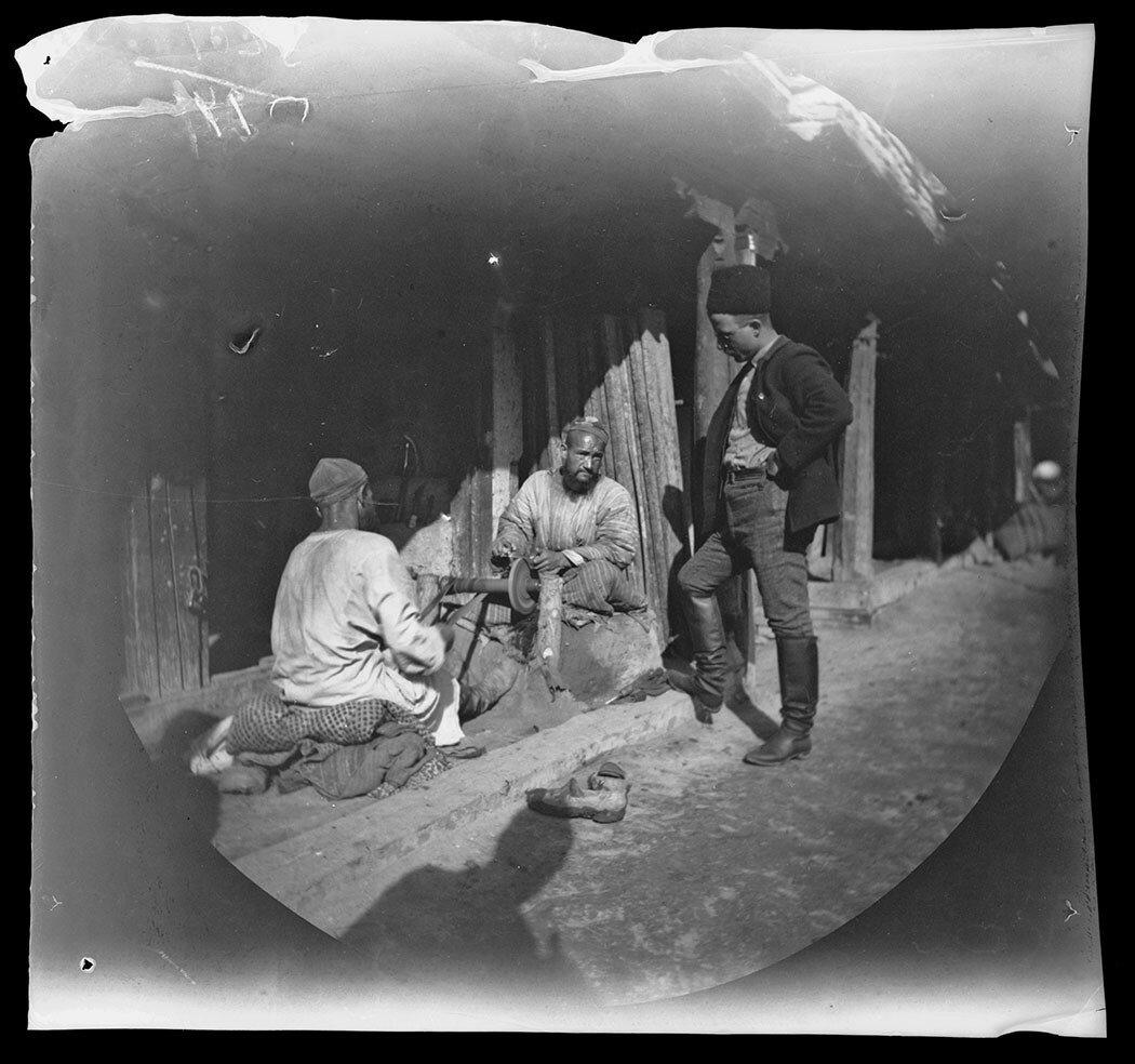 14 ноября. Палатка торговца на главной улице Старого Самарканда