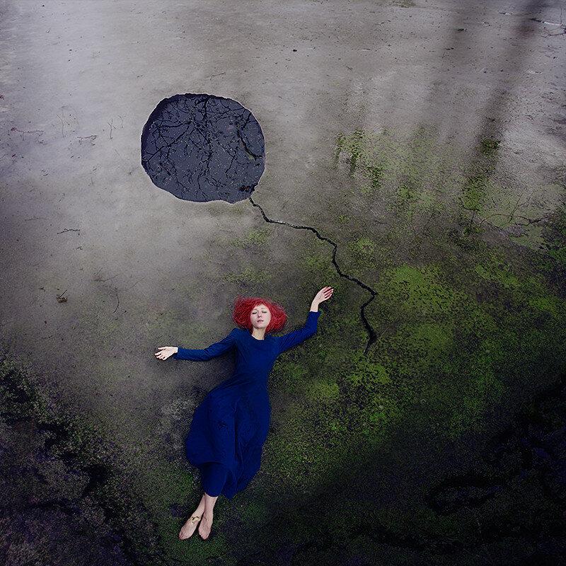 Драматичные, таинственные и мрачные автопортреты Кайли Спарр