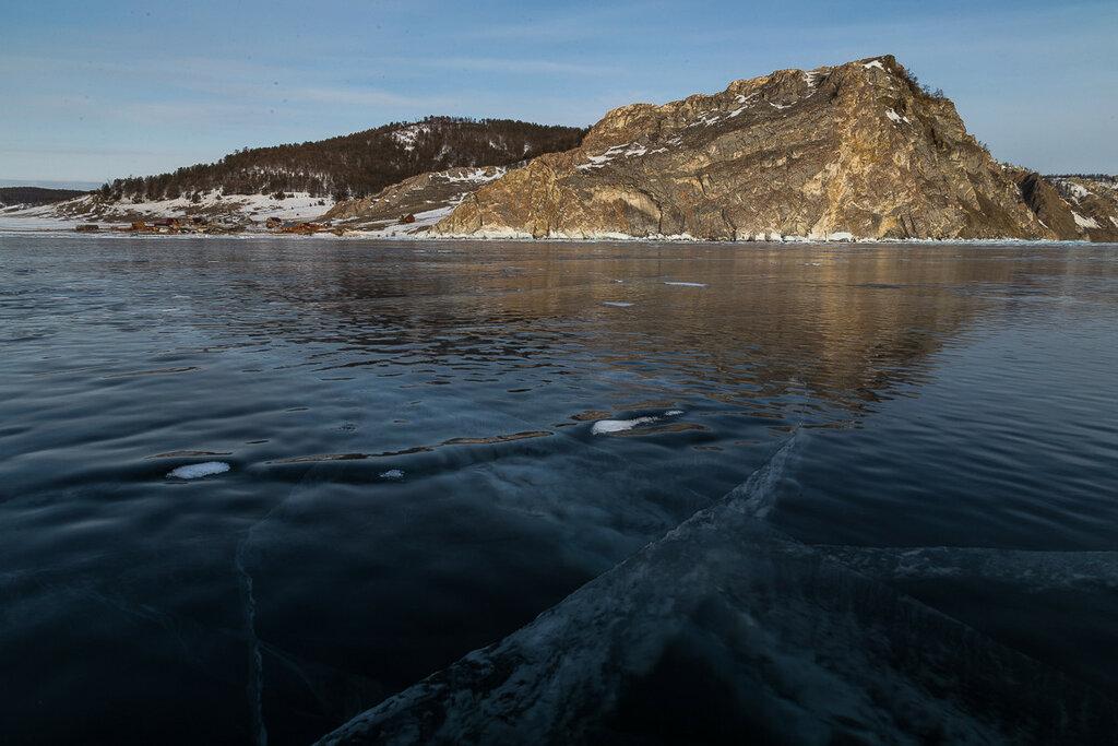 Озеро Байкал. Малое море. Залив Хага-Яман. Узуры