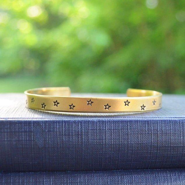 золотые серьги со знаком зодиака