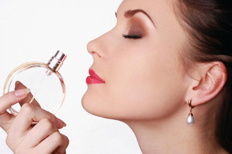 10. На флаконах с ароматами обычно пишут: Parfum, Eau de Parfum, Eau de Toilette. Разница заключ