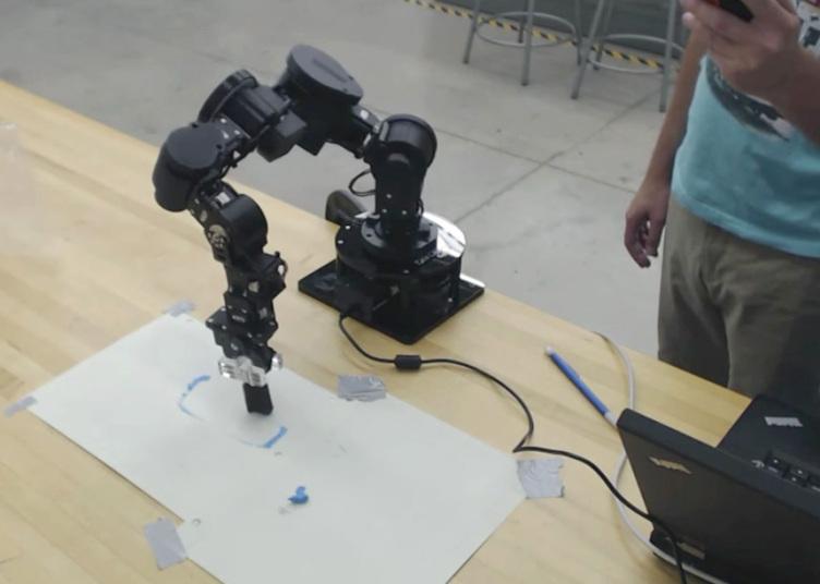 Приём работ на конкурс RobotArt 2016 продлится до 14 апреля, а победитель будет объявлен в мае.