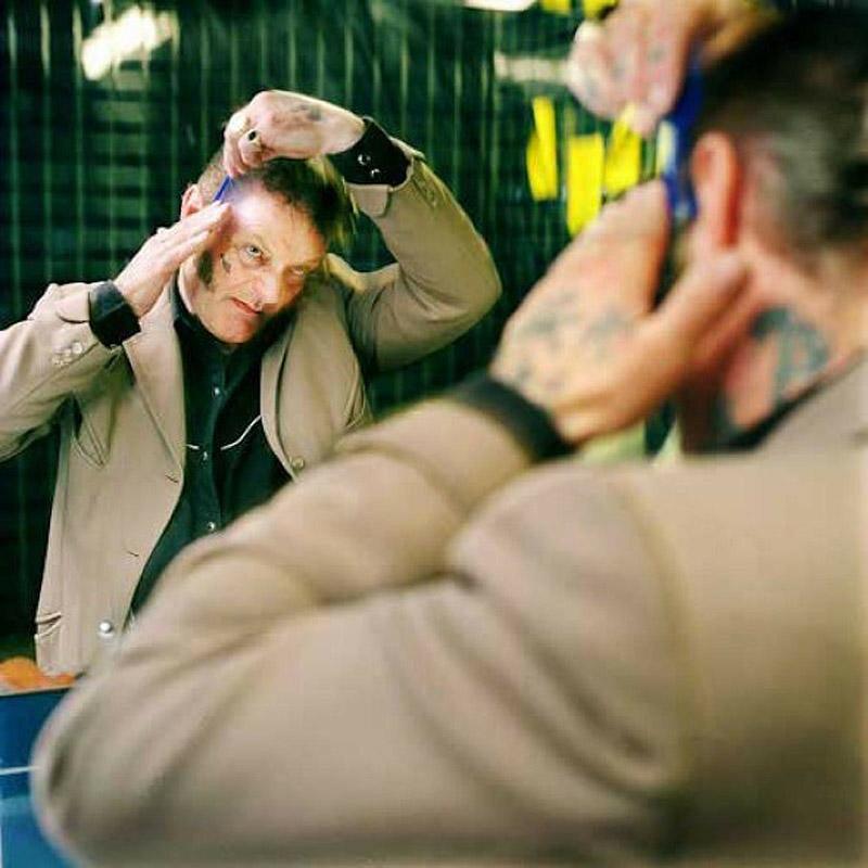 Фрэнки «Кастет» Лэйси. «Я с 1958 года тащусь от рок-н-ролла, он у меня в крови, на хрен возраст, рок-н-ролл жив!»