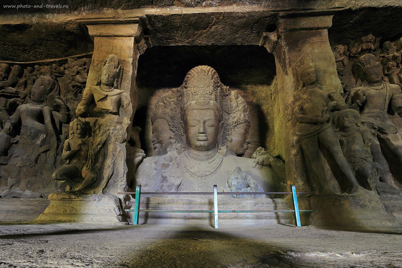 9. Тримурти Шивы в пещерах Элефанта. Можно ли поехать на экскурсии по Мумбаи самостоятельно. Путешествие по Индии (17-49, 6 сек., 0eV, f9, 17mm, ISO 100)