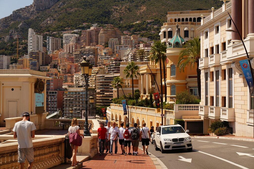 фото туристов в монако делим три