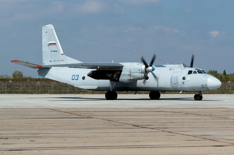Антонов Ан-26Б (RF-36049 / 03 синий) D807769