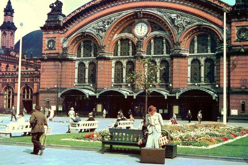 1939 Bremen Hauptbahnhof by Friedrich Sorger.jpg