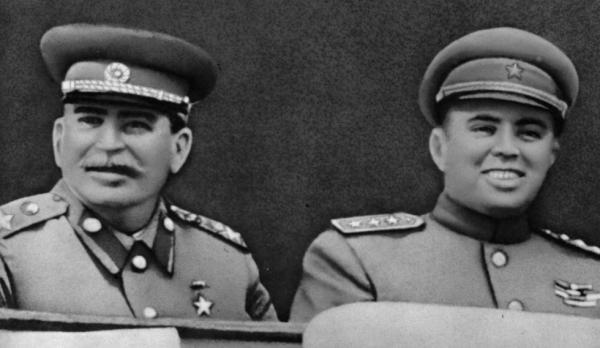 Ходжа и Сталин 1947b.jpg