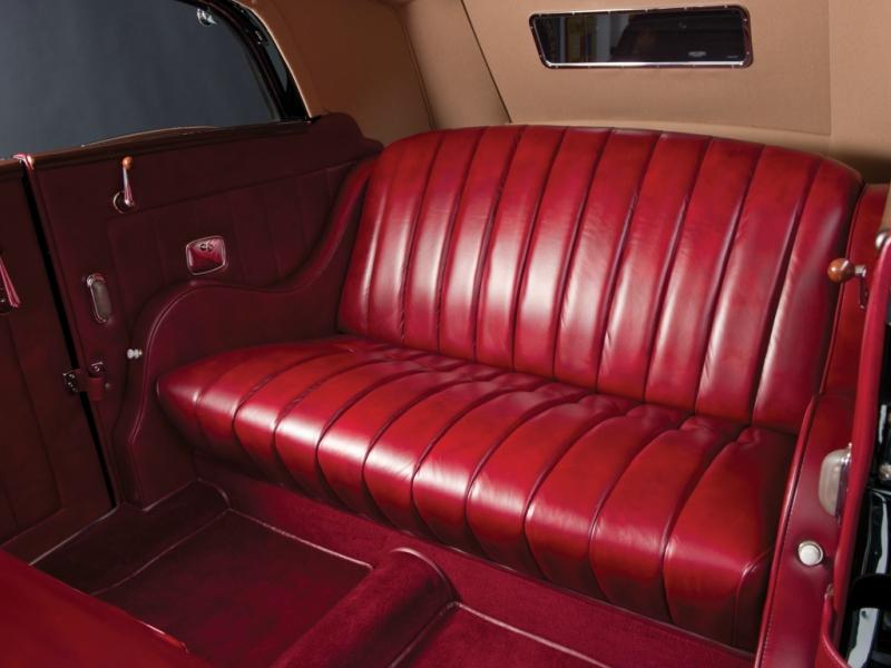 ford_v8_deluxe_convertible_sedan_by_glaser_9.jpeg