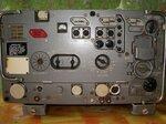 Вид передней панели и ручек управления радиостанции Р-111