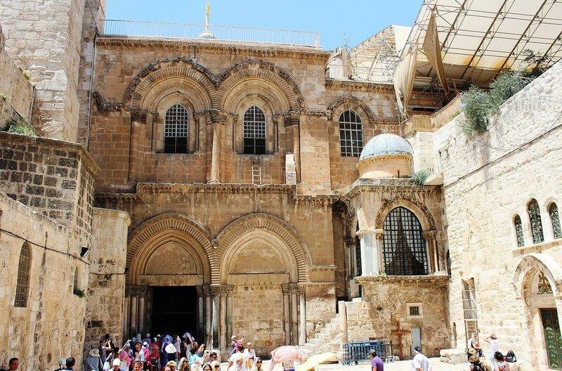 Фасад  храма - лучший пример зодчества эпохи крестоносцев