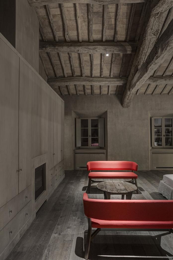 marco-pignattai-house-in-montalcino-8.jpg