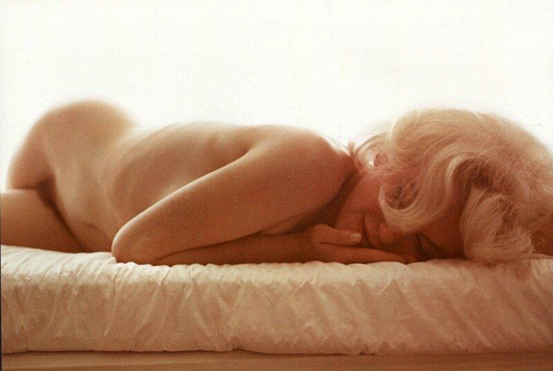 Скандальные фото обнаженной Мэрилин Монро 0 1cd00d 92fb45e7 XL