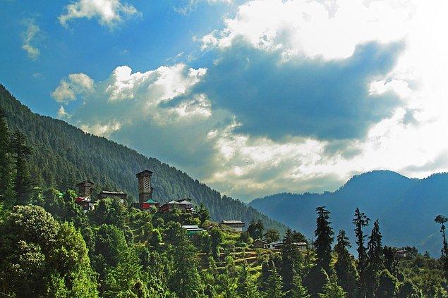 Долина Банджар, скрытая у подножия Гималайских гор, Химачал-Прадеш