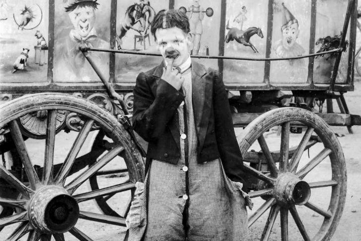 Странные фотографии бродячего цирка 1910 года (11 фото)