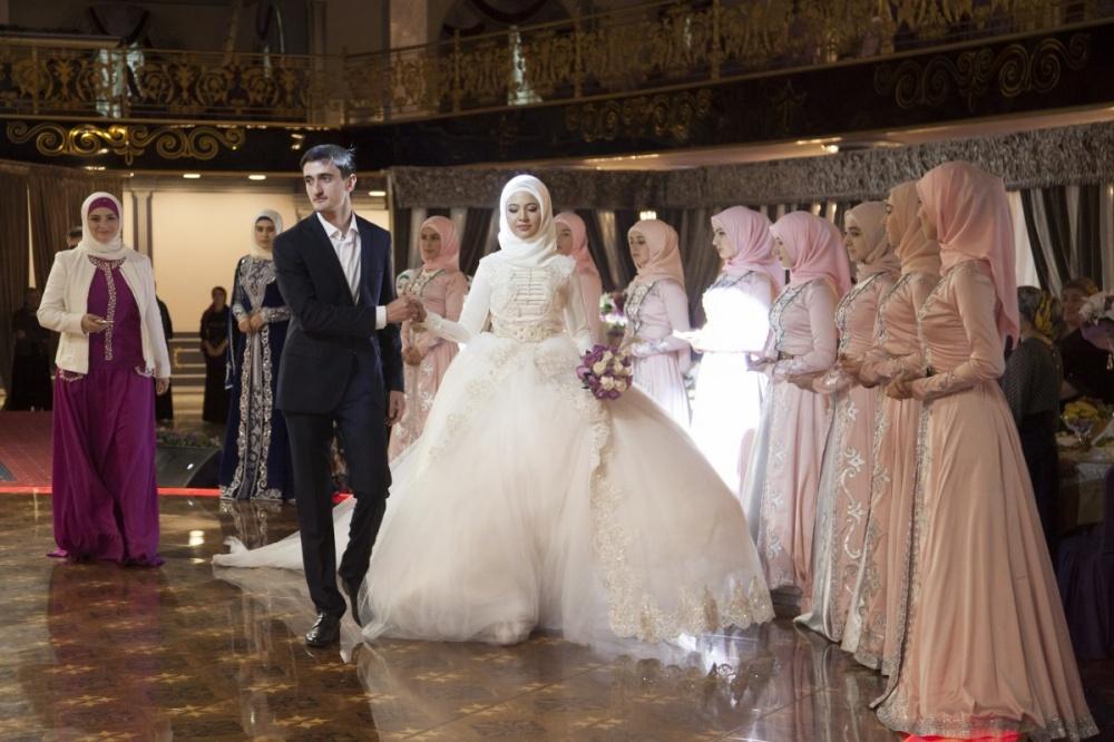 традиционные-свадебные-платья-фото18.jpg