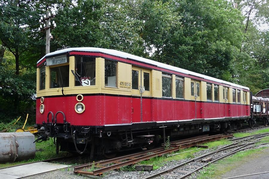leider-historische-berliner-s-bahn-triebwagen-hinteren-456874 (Custom).jpg