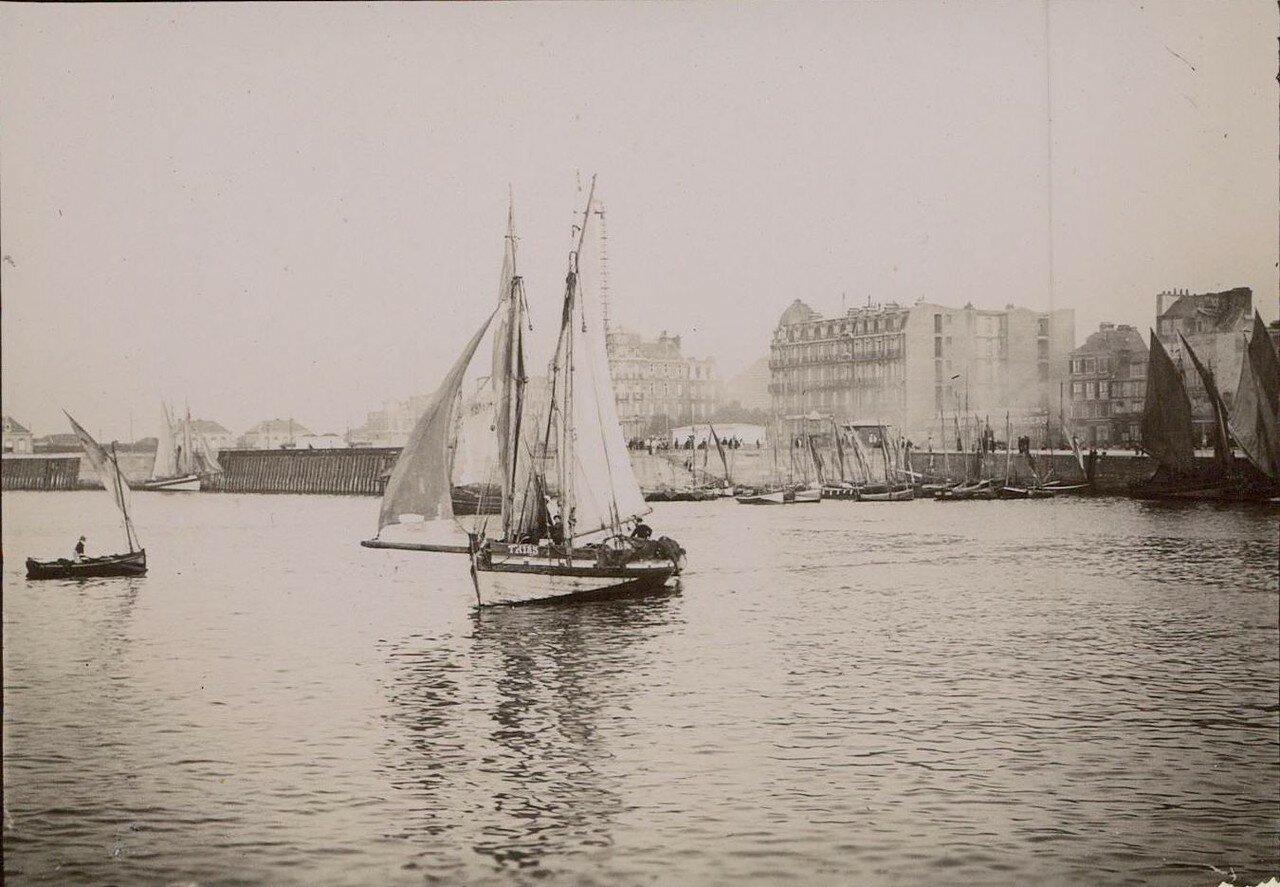 Гавр. Рыбацкие лодки