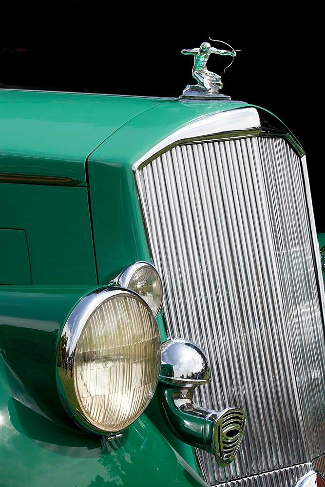 38Pierce-Arrow Silver Arrow Eight Coupe 840A.jpg