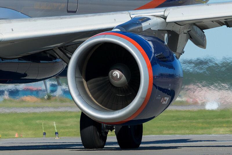 Airbus A321-211 (VQ-BHM) Аэрофлот D800682