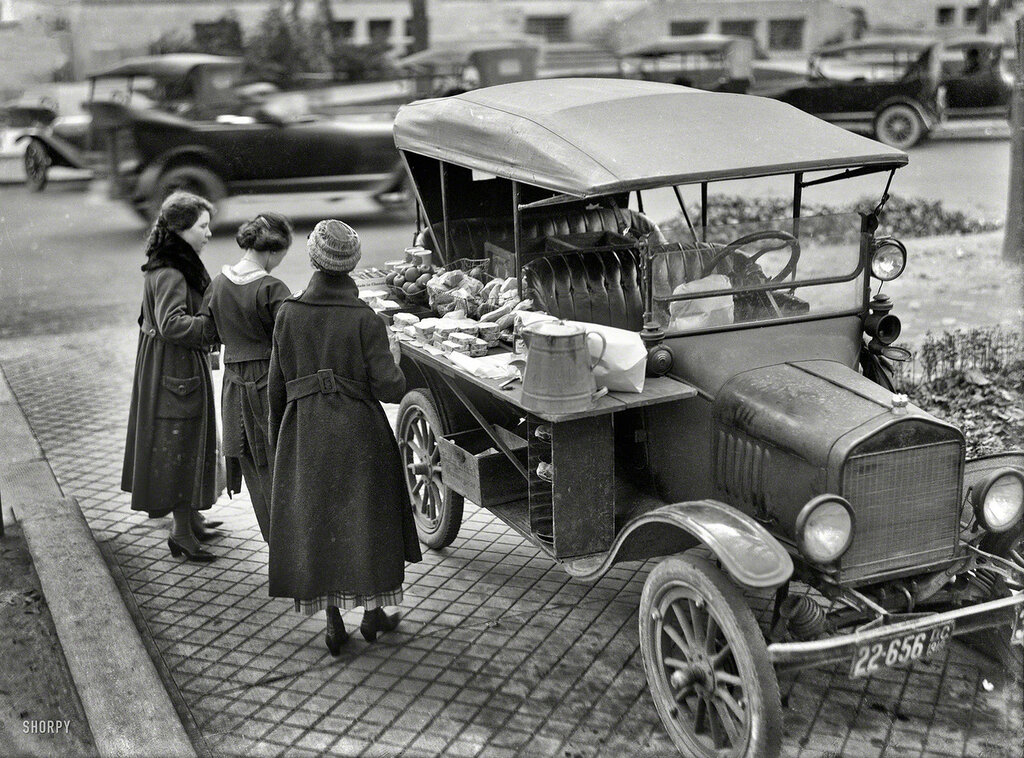 Food Truck, 1919. A Model T sandwich-vending machine.jpg