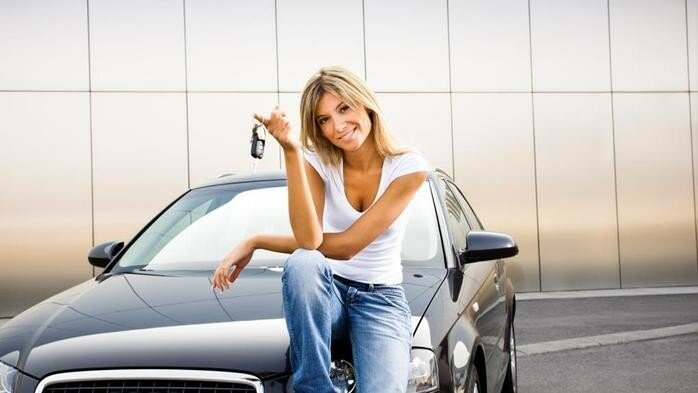 Какие автомобили привлекают женщин
