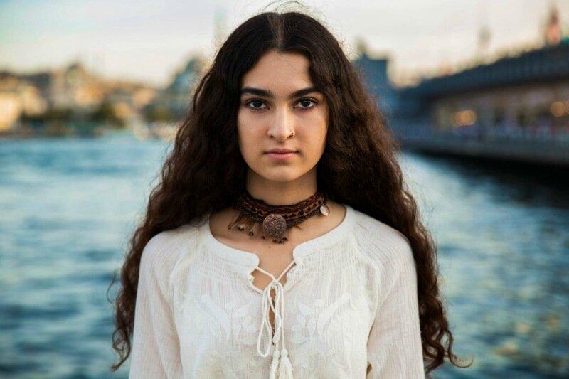 Михаэла Норок, «Атлас красоты»: 155 фотографий красивых женщин из 37 стран мира 0 1c6218 c779d653 XL