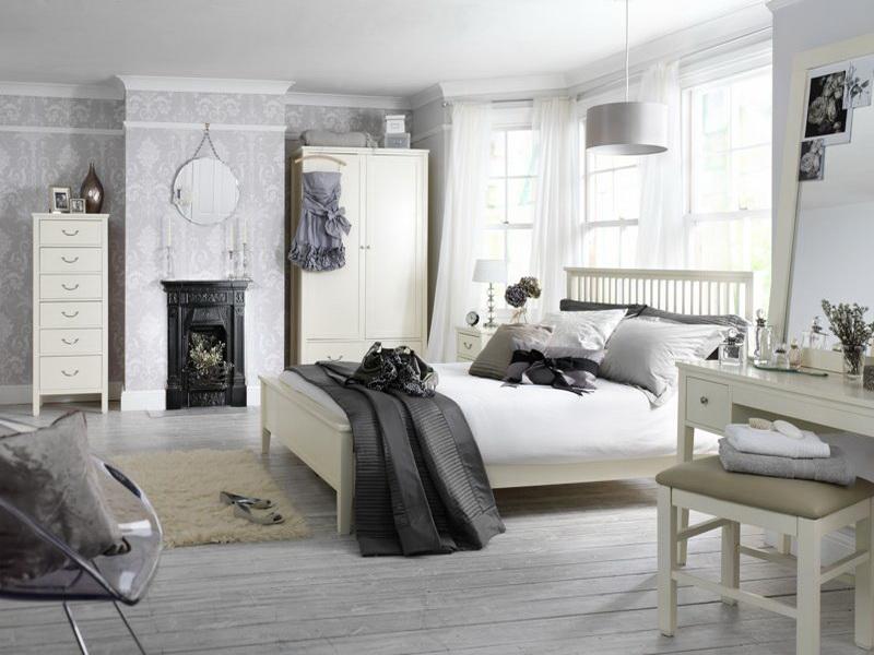 Дизайн интерьера спальни в светлых оттенках фото 10