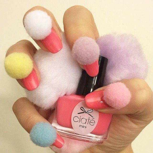 ногти-с-помпонами-pom-pom-nails-фото4.jpg