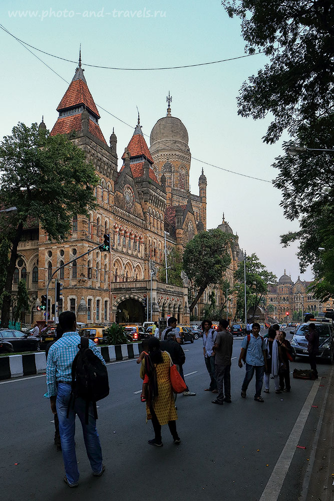Фотография 10. Район Центрального вокзала в Мумбаи. Рассказы россиян о поездке в Индию (24-70, 1/30, -1eV, f8, 24mm, ISO 640)