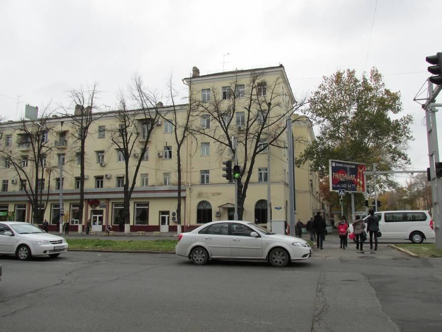 сталинские дома на улице бабура 1.JPG