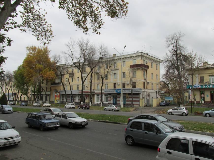 сталинские дома на улице бабура 8.JPG