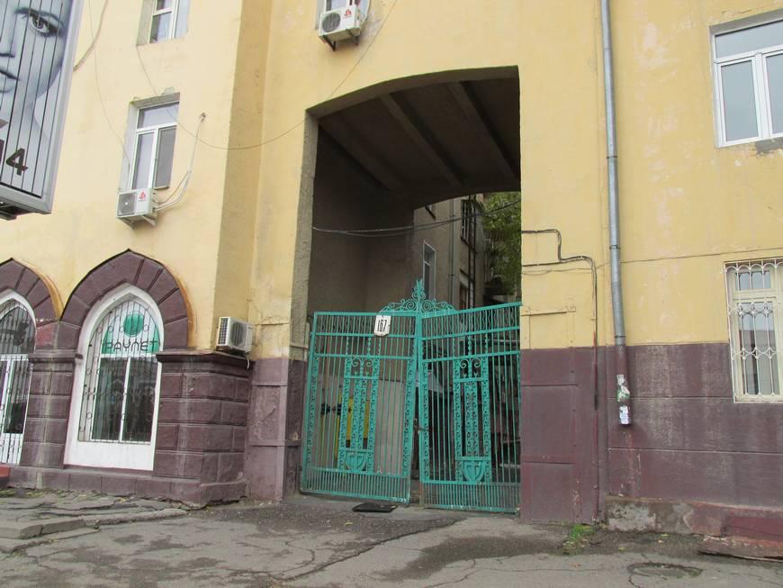 сталинские дома на улице бабура 15.JPG