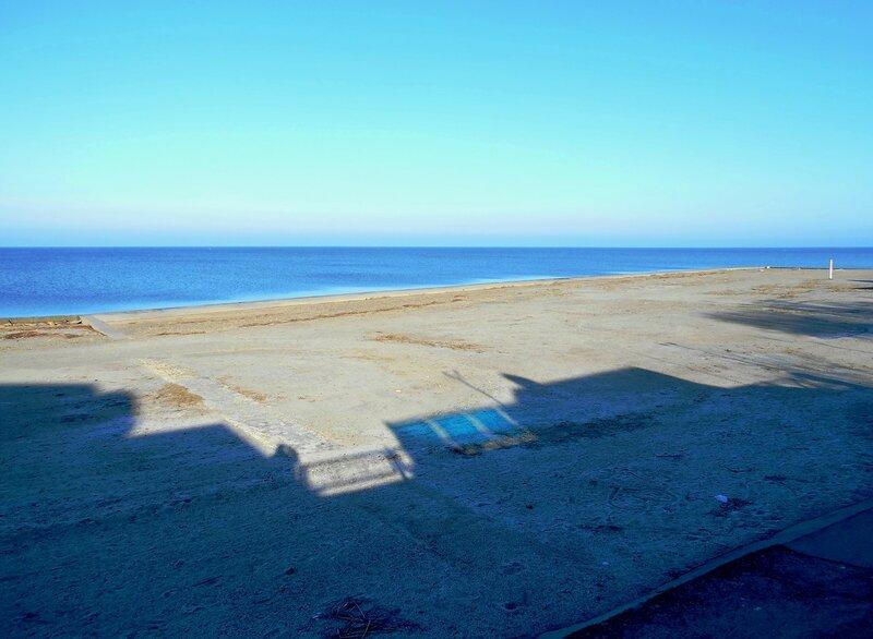 Пляж, тень, утро ... DSCN3856.JPG