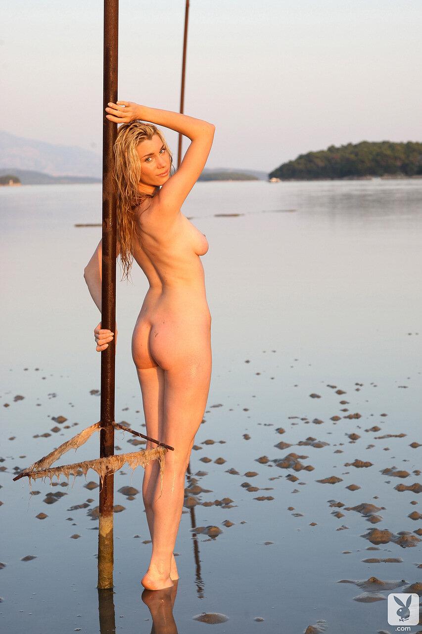 Пришол пацан за водой к сасетки ана голая 4 фотография