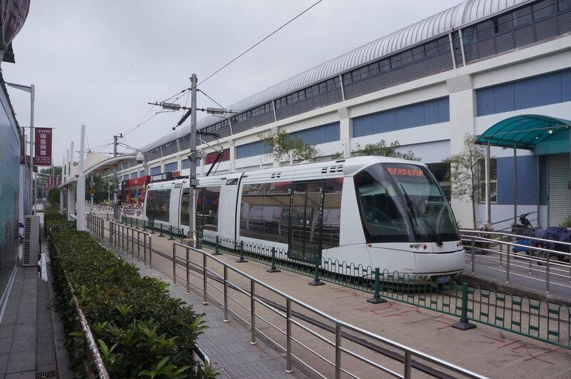 Трамвай в Шанхае