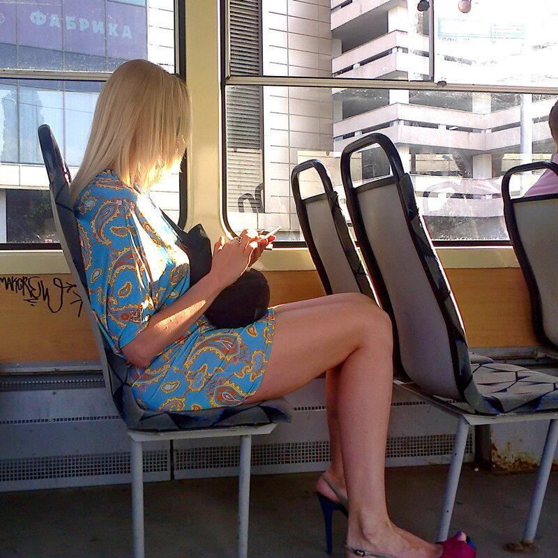 девушка и трамвай фото