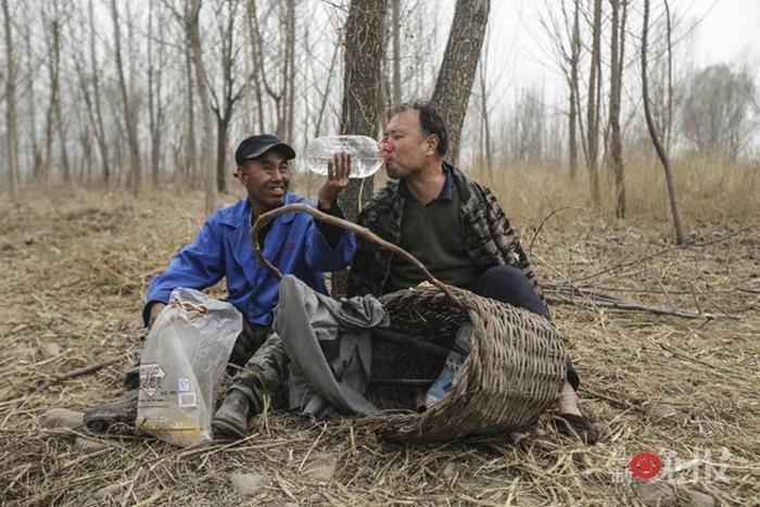 Супермены: в Китае два инвалида спасают деревню от потопа 0 1308ba c5c3a634 orig