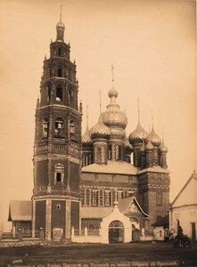 Вид южного фасада колокольни и церкви Иоанна Предтечи в Толчкове ( постройка 1671-1687 гг.). Ярославль г.