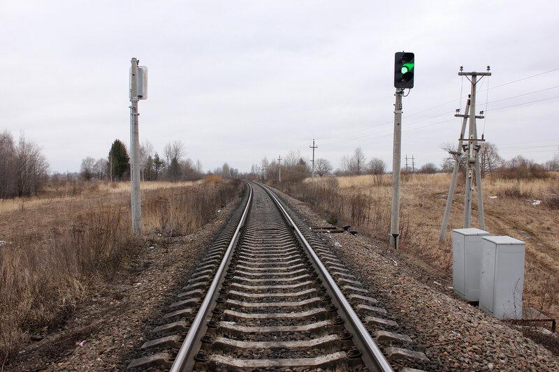 Проходной светофор 6 на перегоне Новосокольники - Шубино