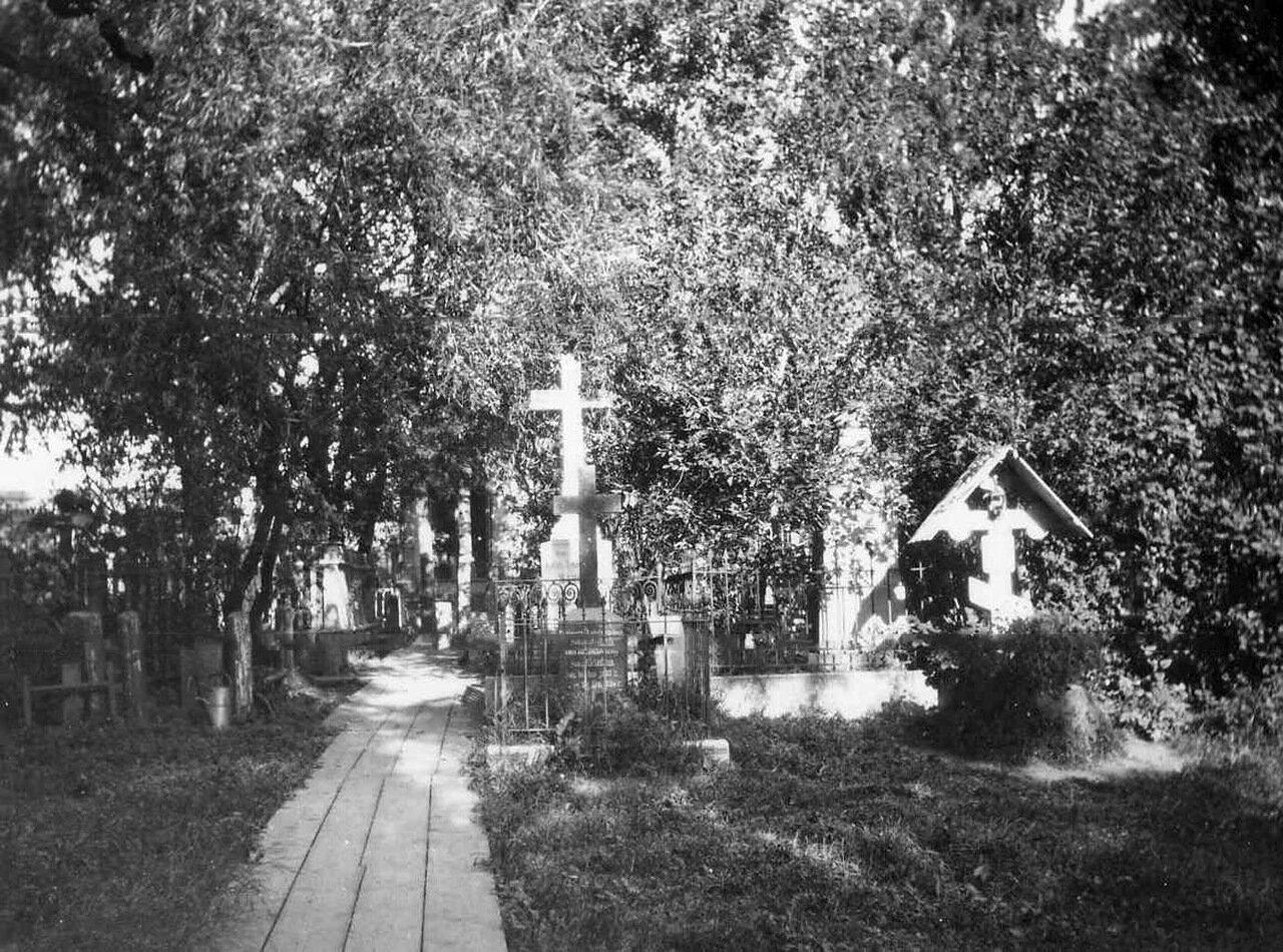 02. Общий вид кладбища