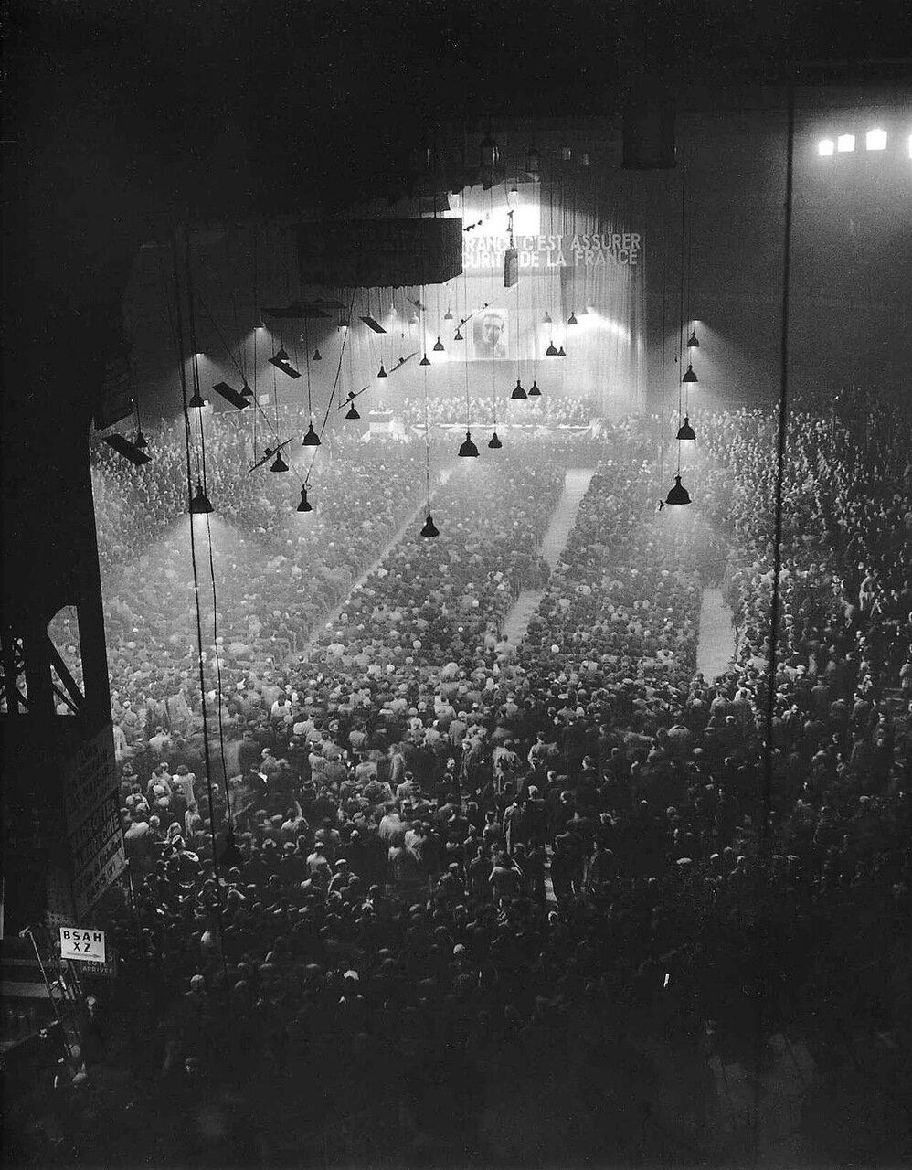 1945. Митинг на Vel' d'Hiv