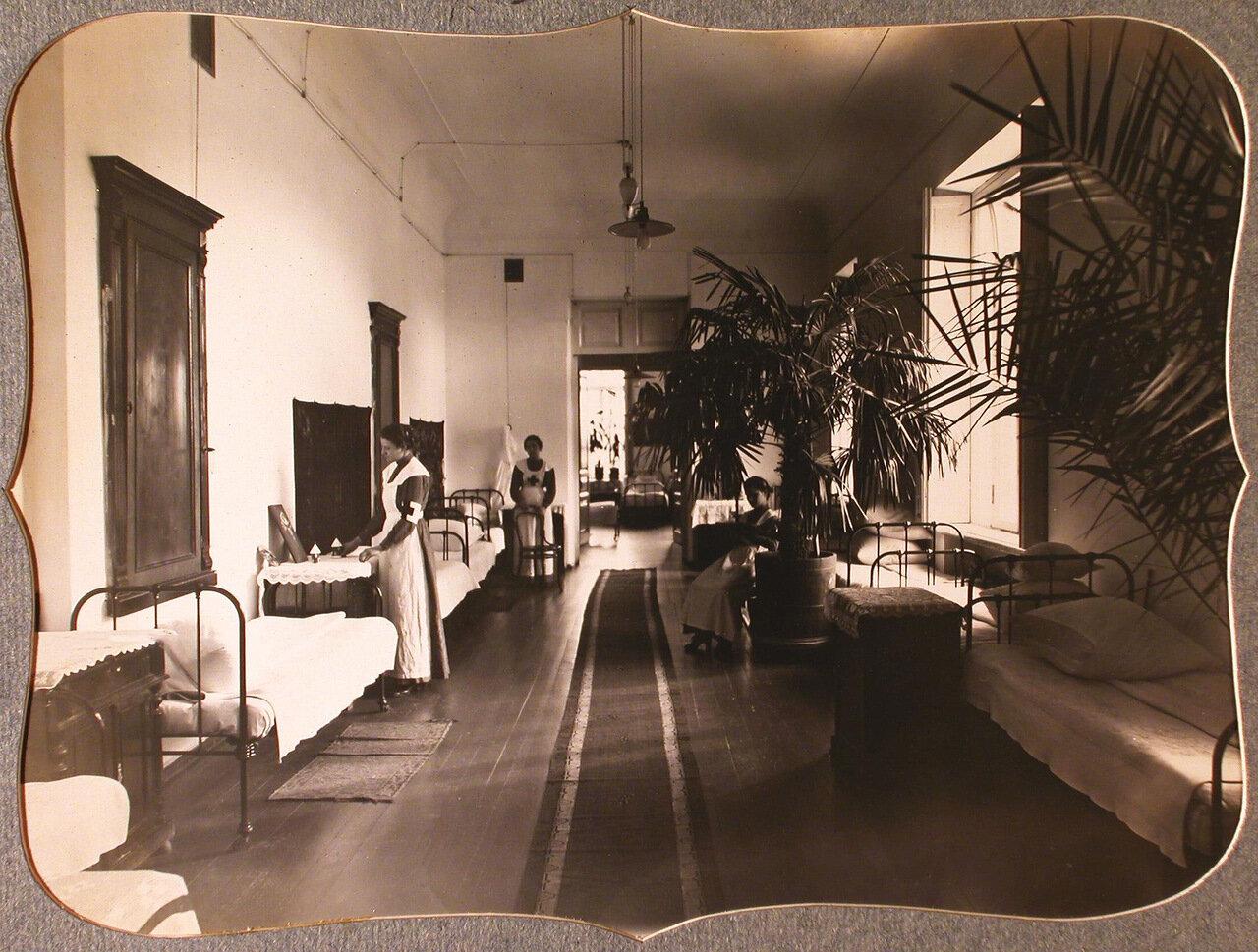10. Сестры милосердия общины в комнате общежития