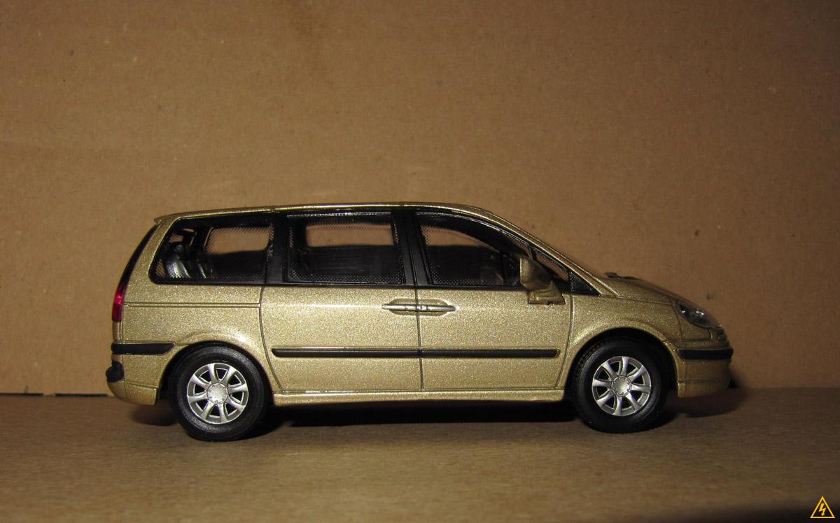 Peugeot 807 6.jpg
