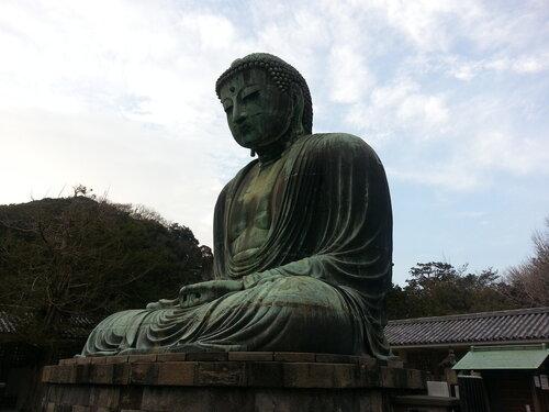 Бронзовый будда 13го века, изначально он сидел в павильоне, который был разрушен бурей через пару веков после постройки