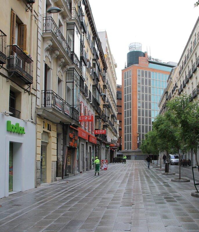 Мадрид. Улица Пресиадос (Calle de Preciados)