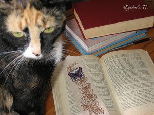 Butterfly Bookmark, закладка, закладка бабочка, вышивка крестиком, Людмила Цапенко, Lyudmila Ts., светящиеся в темноте ниточки, цветы, вышивальная графика, кошка