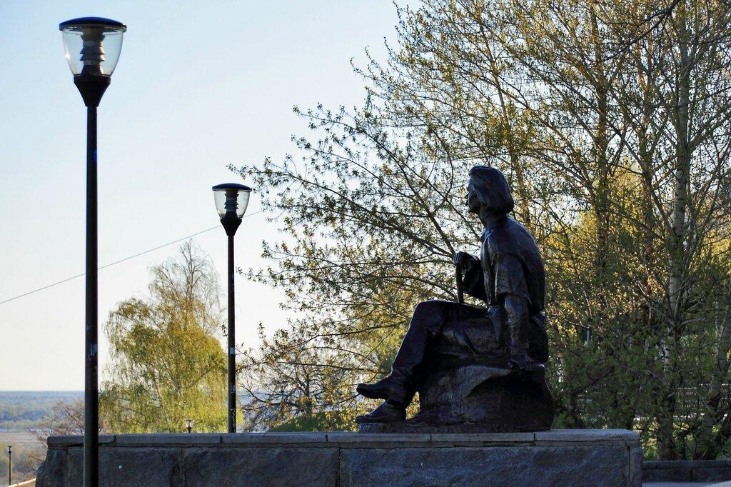 Памятник Максиму Горькому, набережная Федоровского