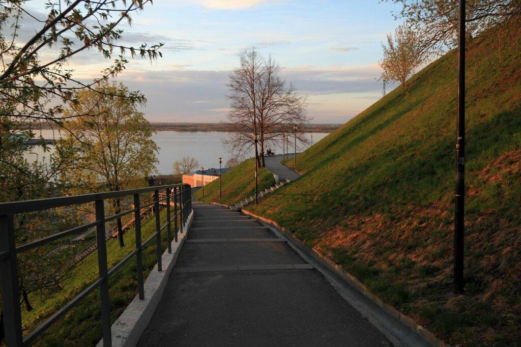 Подъем по волжскому откосу, Нижний Новгород
